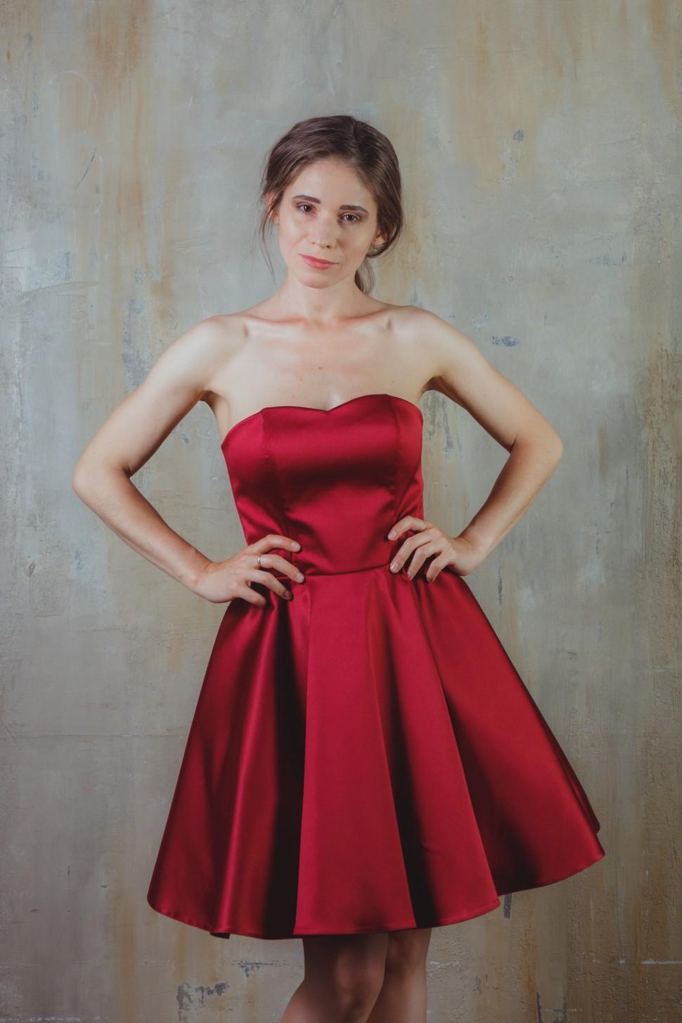 014ea0510cb7dcc Купить коктейльное корсетное платье с юбкой-солнце, винный в ...