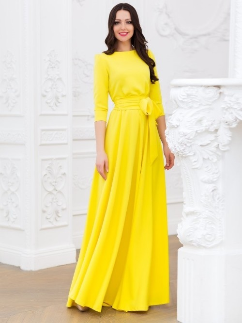 Длинное жёлтое платье в пол