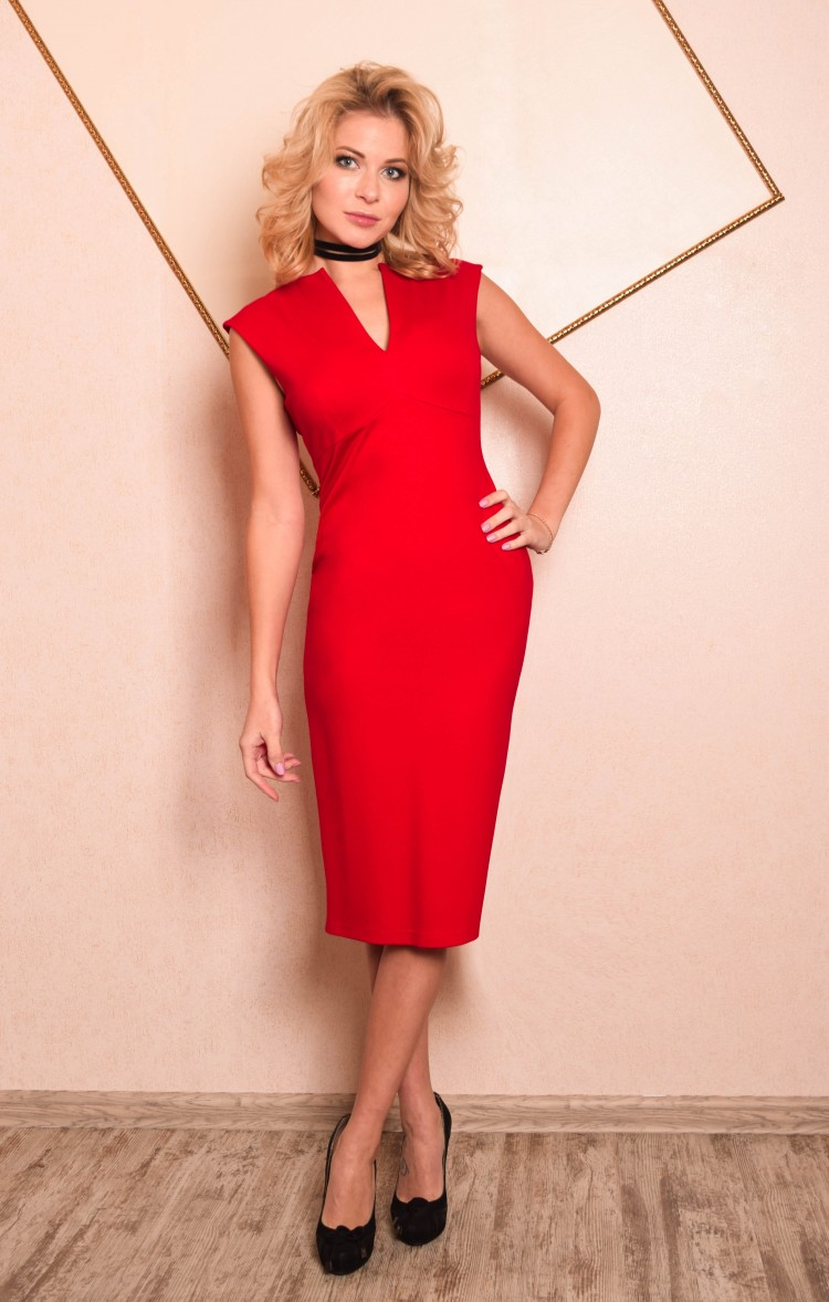 66379823737 Купить платье футляр длины миди без рукавов люсия красное в интернет ...
