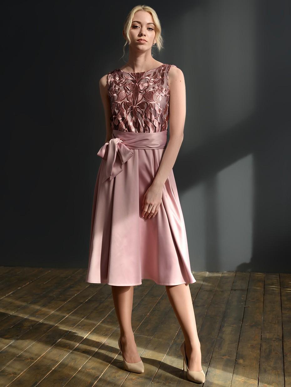 d0319b10b013c7c Купить ослепительное коктейльное платье из атласа с кружевом, пудра ...